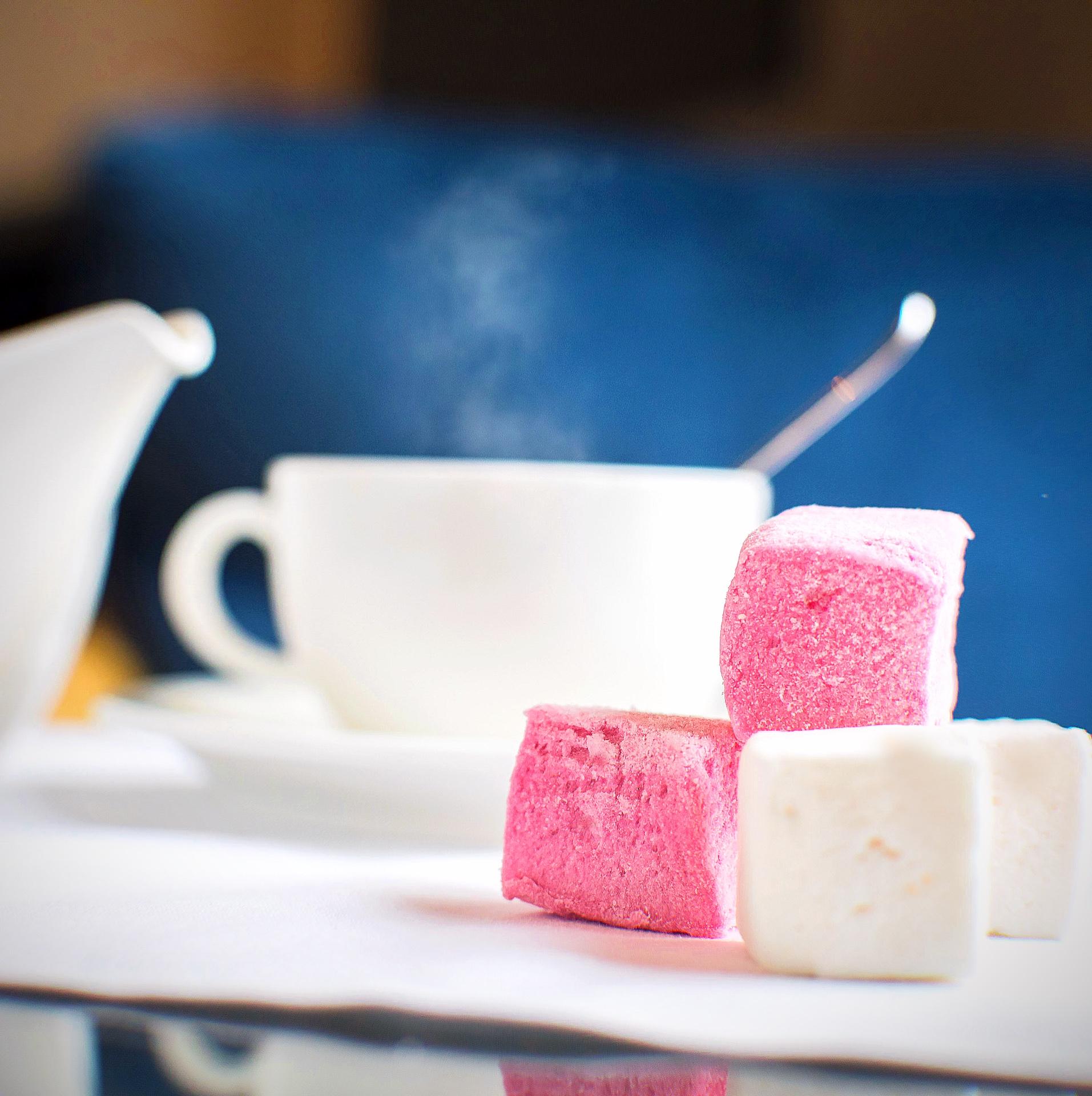 guimauve onctueuse à la vanille et à la framboise - Le Bonbon Français