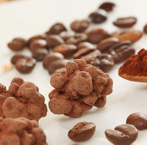 Grand de café torréfié enrobé de chocolat - Le Bonbon Français