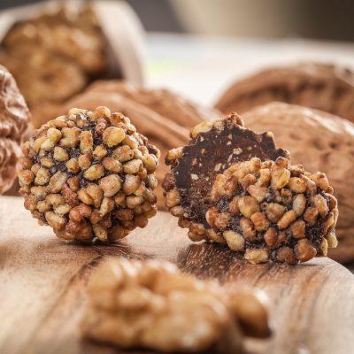 Chocolat noir aux noix grillées et sarrasin Le Bonbon Français